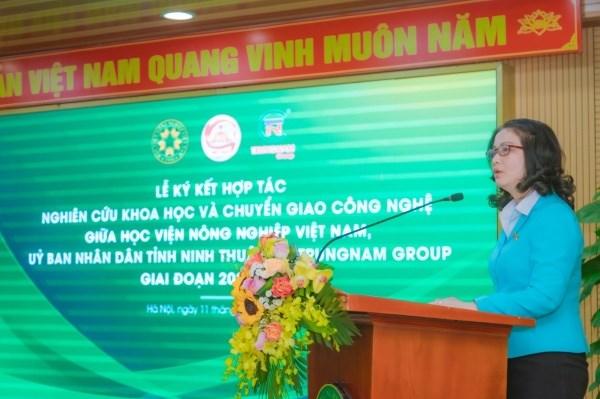 GS.TS. Nguyễn Thị Lan - Bí thư Đảng ủy, Giám đốc Học viện phát biểu tại buổi lễ