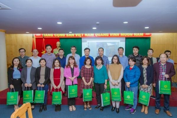BTC chụp ảnh lưu niệm cùng các học viên tham gia khóa tập huấn