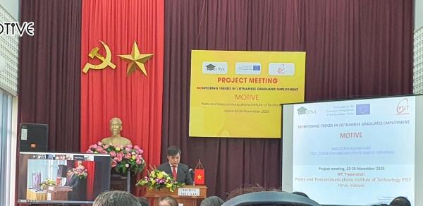 Ông Bùi Văn Linh, Vụ trưởng Vụ Giáo dục chính trị và Công tác học sinh, sinh viên phát biểu tại phiên khai mạc cuộc họp