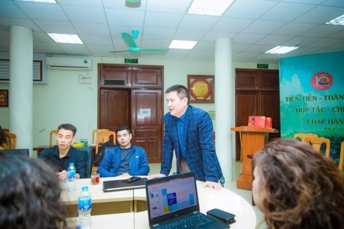PGS.TS. Trần Hữu Cường - Trưởng khoa Kế toán và Quản trị kinh doanh gửi lời cảm ơn Tổ chức Agriterra Việt Nam đã hỗ trợ sinh viên Học viện trong chương trình thực tập giáo trình
