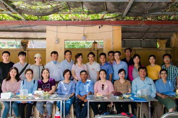 Các học viên tham dự khóa tập huấn đến làm việc thực tế tại HTX