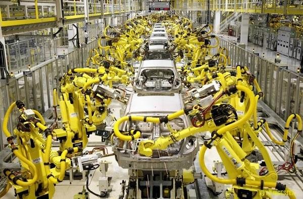 Hình 1. Dây chuyền sản suất ô tô tự động