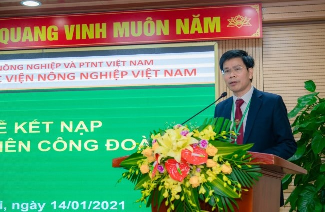 TS. Nguyễn Tất Thắng - Chủ tịch Công đoàn Học viện, Trưởng ban CTCT&CTSV phát biểu khai mạc Hội nghị
