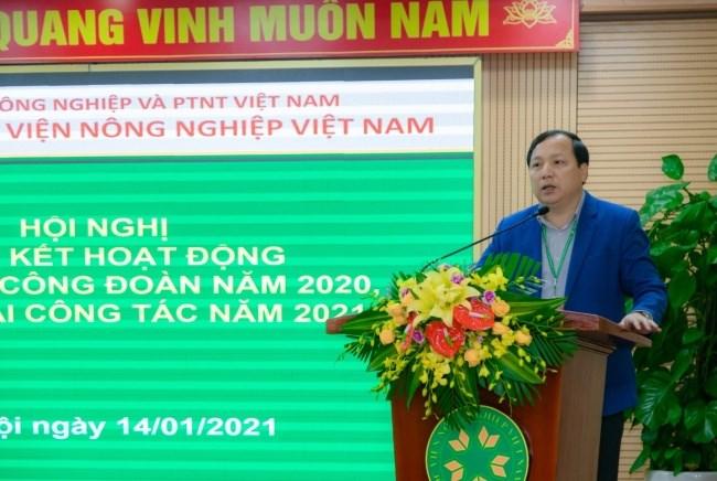 TS. Vũ Ngọc Huyên - Phó Bí thư thường trực Đảng ủy, Phó Giám đốc Học viện phát biểu tại Hội nghị