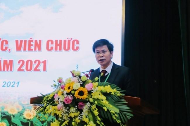 TS. Nguyễn Tất Thắng - Chủ tịch Công đoàn Học viện trình bày Báo cáo tổng hợp ý kiến từ Hội nghị cán bộ, công chức, viên chức và người lao động các đơn vị