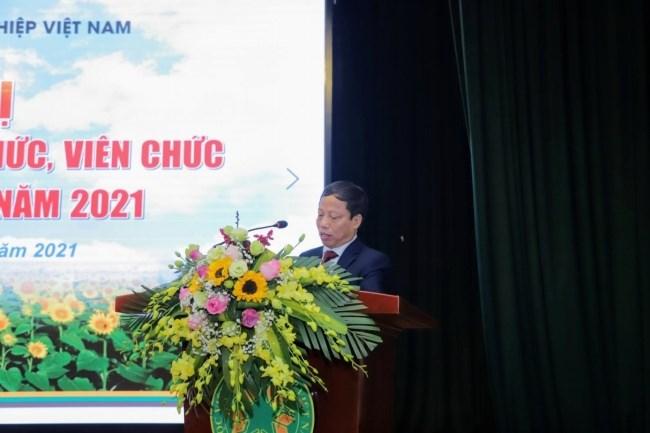 PGS.TS. Nguyễn Quang Học - Trưởng ban Thanh tra Nhân dân trình bày Báo cáo hoạt động của Ban Thanh tra Nhân dân Học viện năm 2020