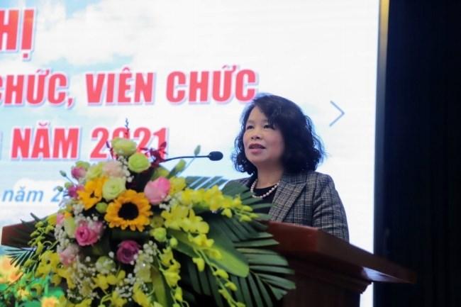 Đồng chí Ngô Thị Anh Tuyên - Phó Chủ tịch Công đoàn Nông nghiệp và Phát triển nông thôn Việt Nam phát biểu tại Hội nghị