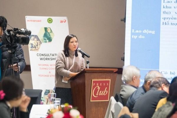 Tiến sĩ Đỗ Thị Diệp phát biểu trình bày nội dung nghiên cứu tại Hội thảo