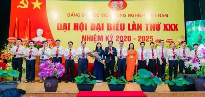 Ban Chấp hành Đảng bộ Học viện Học viện Nông nghiệp Việt Nam khóa XXX, nhiệm kỳ 2020 - 2025 ra mắt Đại hội