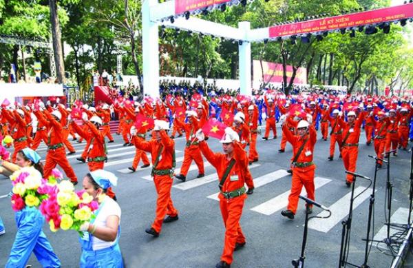 Công nhân Việt Nam biểu thị sức mạnh giai cấp
