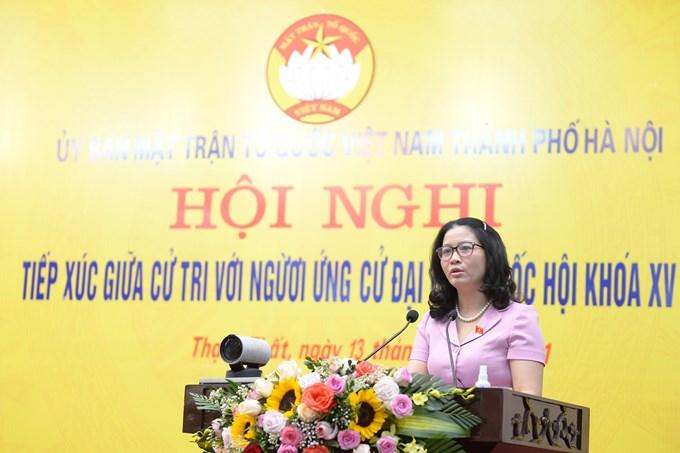 GS.TS Nguyễn Thị Lan – Giám đốc Học viện Nông nghiệp Việt Nam phát biểu tại Hội nghị tiếp xúc cử tri huyện Thạch Thất (Hà Nội).