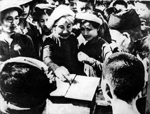 Nhân dân Hà Nội bỏ phiếu bầu đại biểu quốc hội khóa I, ngày 06/1/1946