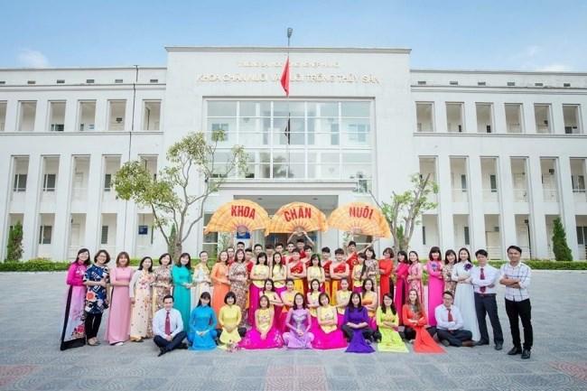 Sinh viên ngành Chăn nuôi thú y được tăng cường kỹ năng sử dụng tiếng Anh để thích ứng tốt với môi trường làm việc đa văn hoá trong xu thế hội nhập quốc tế.