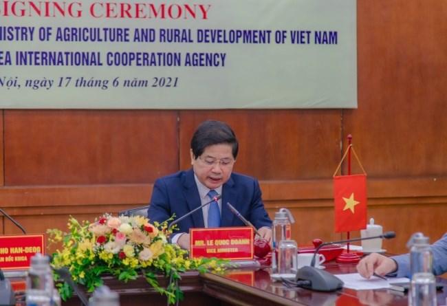 Thứ trưởng Bộ NN&PTNT Lê Quốc Doanh phát biểu tại buổi lễ