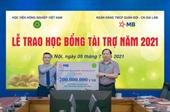 MB Bank trao 200 triệu đồng học bổng cho sinh viên Học viện Nông nghiệp Việt Nam