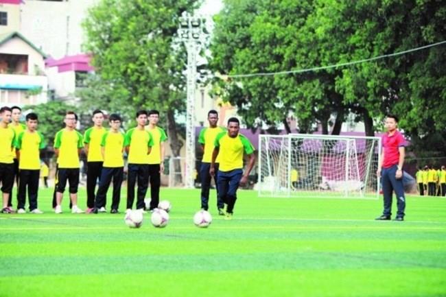 Sinh viên nội trú có thể tham gia các hoạt động thể dục thể thao tại sân vận động Học viện