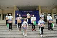 Báo Nông thôn ngày nay tiếp tục tặng 200 suất quà cho sinh viên Học viện