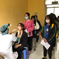 Khám sức khỏe đầu khóa học cho các Tân sinh viên khóa 65