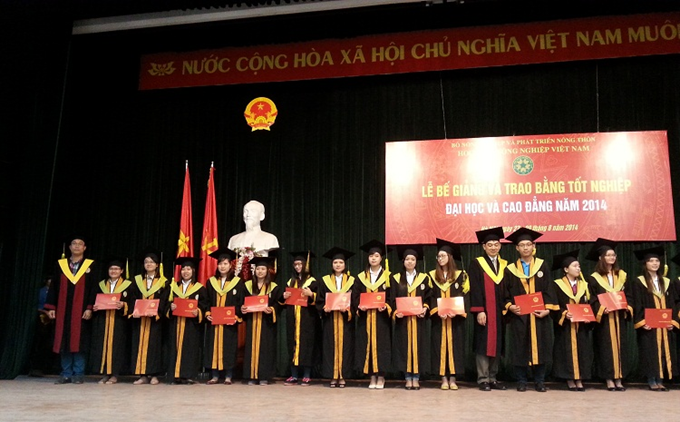 Graduation ceremony for Environmental Science students