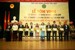 Recognition Ceremony for Organizations and Individuals' Notable Contributions to the Development of Vietnam National University of Agriculture VNUA